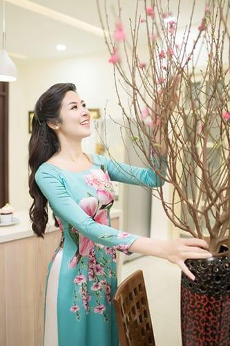 Phòng khách của các mệnh: Kim, Mộc, Thủy, Hỏa, Thổ nên chưng hoa gì?