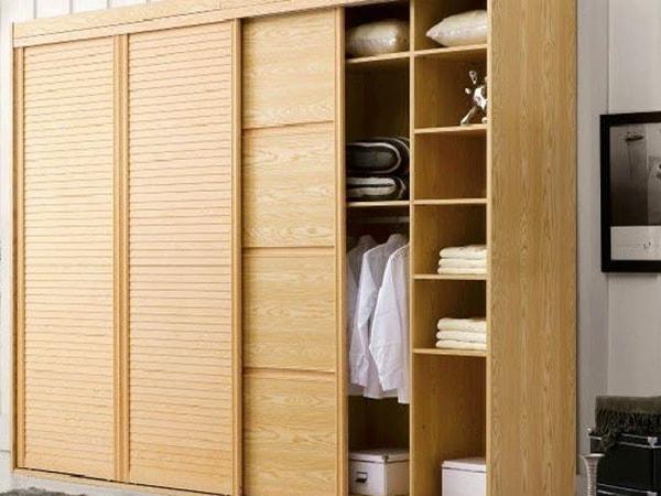 Sử dụng và bảo quản tủ quần áo gỗ đúng cách