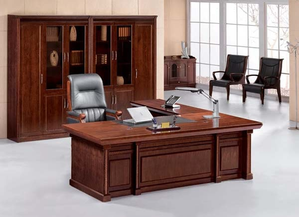 Tủ tài liệu cũng cần cân xứng với bàn làm việc