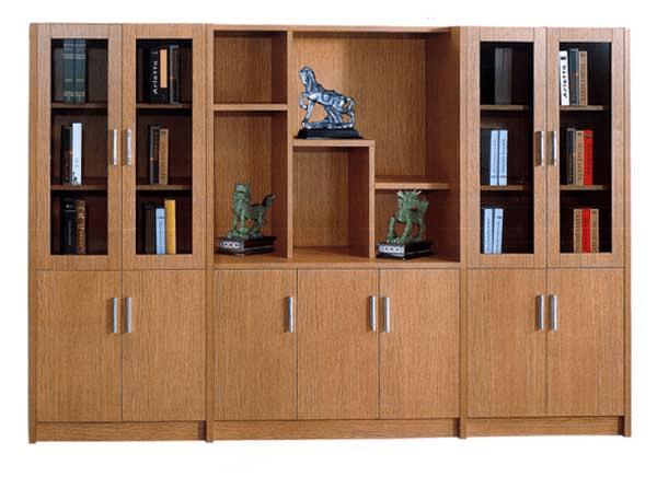 Tủ gỗ Hòa Phát hiện đại chủ yếu được làm từ chất liệu gỗ công nghiệp phủ bề mặt Melamine hoặc Laminate.