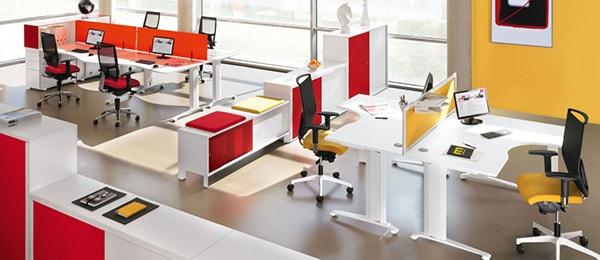 Văn phòng dùng nội thất màu đỏ có thu hút mọi ánh nhìn