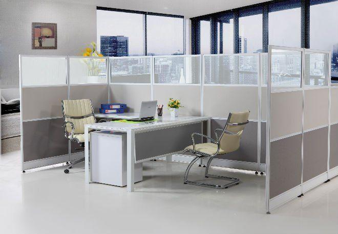 Văn phòng đẹp với vách ngăn nỉ kính